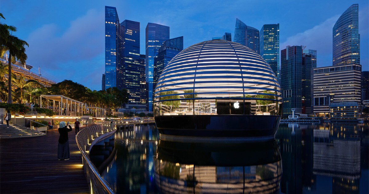 Eye-catching floating Apple Store in Singapore